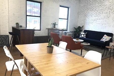 Oxford Studio - Brightly Lit Brooklyn Coworking Studio