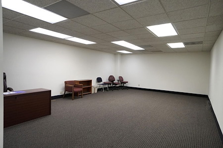 The Business Works - Office Suite 110_02