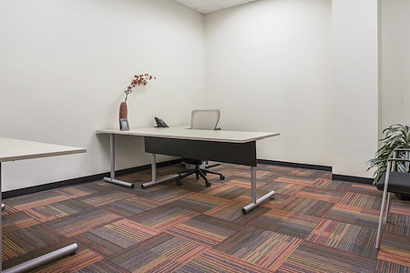 Office Evolution - Aurora - Dedicated Desk