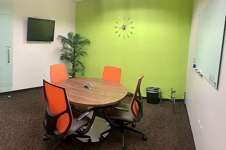 Office Evolution - North Phoenix at the Corridors - Small Conference Room