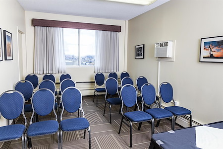 Campus Tower Suite Hotel - Strathcona