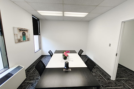 DeGratia Office - Meeting Room 4 people