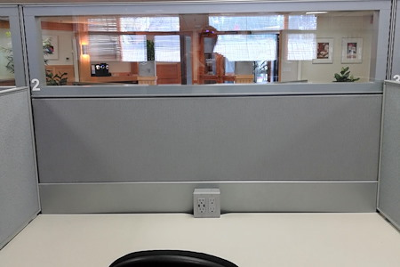 Ketchum Works - Premier Hot Desk 2