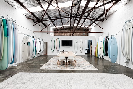Global Surf Industries - Meeting Room / Photo Studio