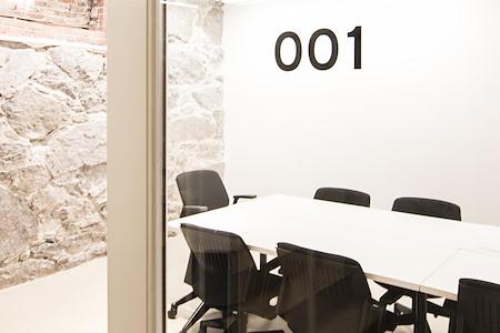 The Village Works - Meeting Room 001