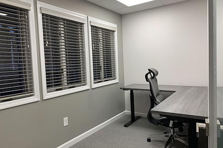 Work Hub Suites - Private Suite