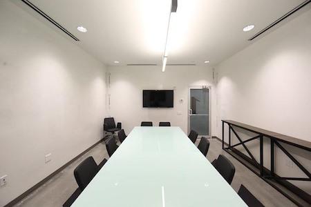 Roam Dunwoody - Lab