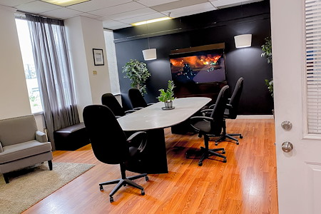 Zaahi Studios.Facilities - Conference Room