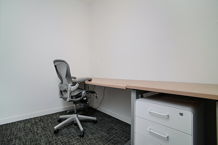 MidMod Suites - Office Suite 103