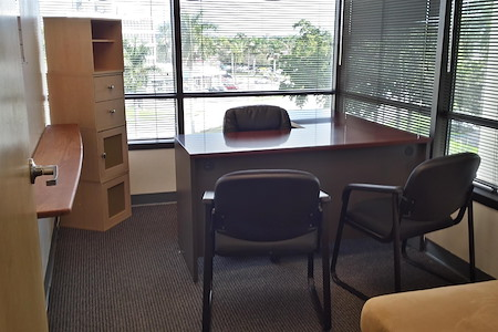 Alexa's Workspaces at Hollywood - Office Suite 3