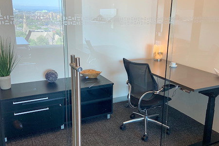 Business District - Office Suite for Up to 13