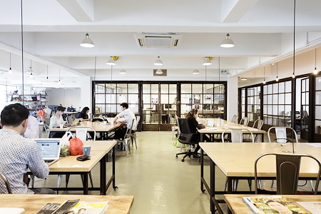 Makerhive Hong Kong - Dedicated Desk (Month by Month)