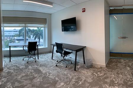 Sandhouse Miami - Office 8
