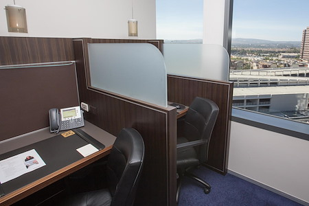 Servcorp - Orange County - Workstation