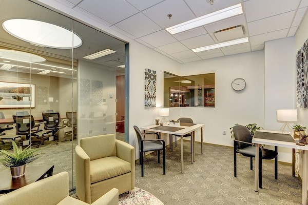 Carr Workplaces - Rosslyn - Daily Workspace
