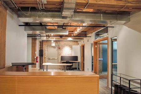 Urban Chicago Office Space - Open Desk