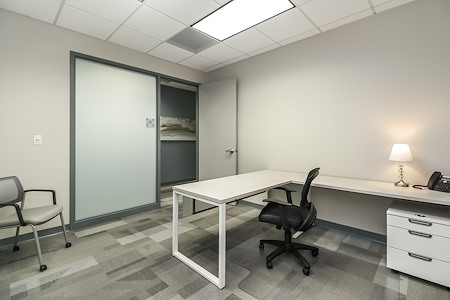 Office Evolution - Overland Park - Office 121