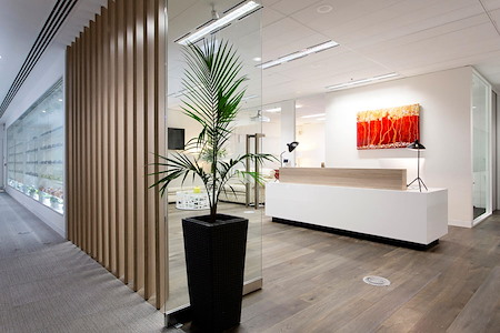 @WORKSPACES - 8 -10 Person Windowed Office