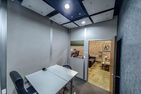 Pro Desk Space - Meeting Room