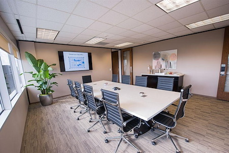 Avalon Suites - Tanglewood - Uptown Board Room