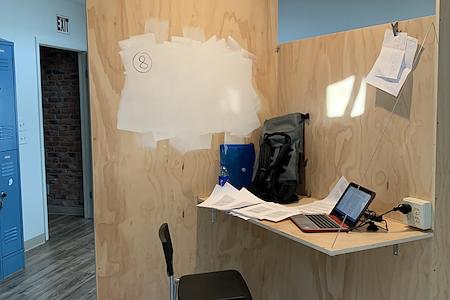 Art of Work - Dedicated Desk 1