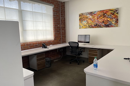 Creative Space - Creative Desk