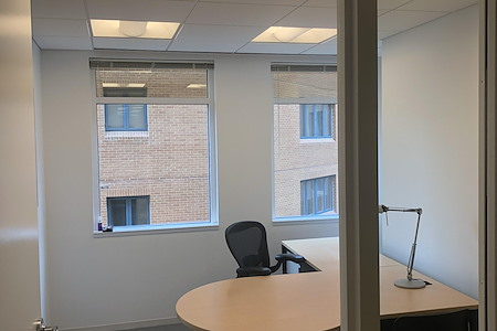 MB Hampden Square - Bethesda - Double office space for two