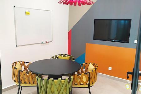Africaworks Coworking - Meeting Room 1