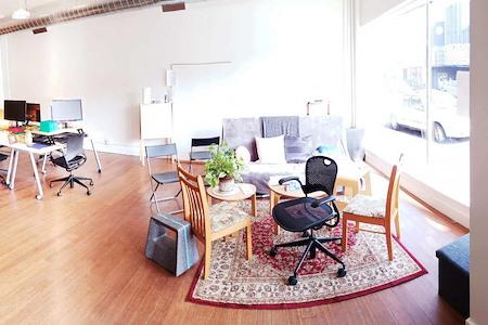 Collective Agency Montavilla - Reserved Desk Membership - Montavilla