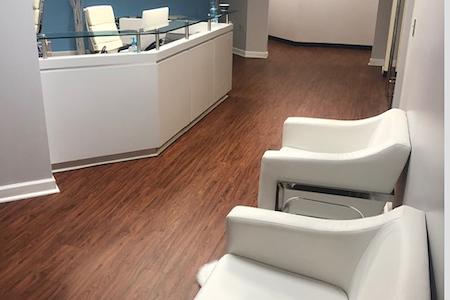 Perfect Office Solutions - Lanham - Private Desk Room