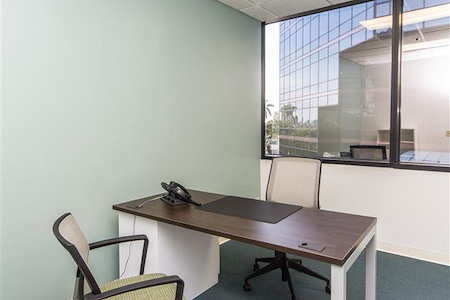Quest Workspaces - West Palm Beach Downtown - Day Office