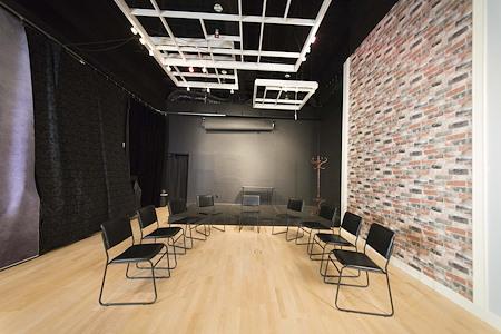 Studio-FAB - Meeting Room