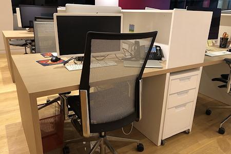 Big Bad Boo - Big Bad Boo Dedicated Desk @Studio68