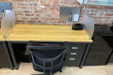 element18 - Dedicated Desk 3
