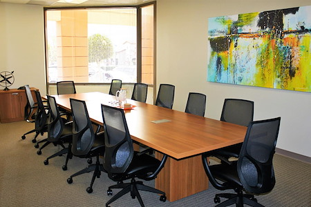 Office Evolution - Westlake - Spacious & Bright Large Conference Room
