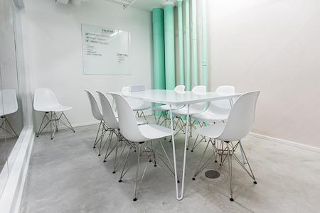 rent24 - Miami - Meeting Room 2