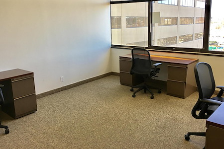 The Suites at 17 North - Office 823