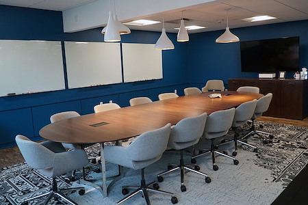Versa Grandview - The Board Room
