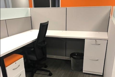 ACHL - Dedicated Desk 2