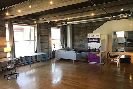 Lofty AI - Beautiful Loft in West Oakland - Desks