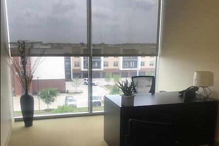 (MCK) Valliance Plaza - Window Office