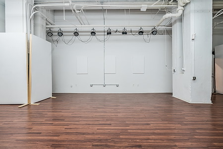 Auspicious Phoenix - Gallery Space - Rengo Union