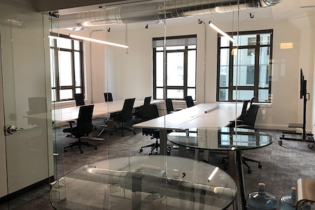 Runway Innovation Hub - 12 Person Private Office