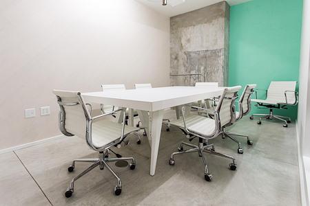 rent24 - Miami - Meeting Room 1