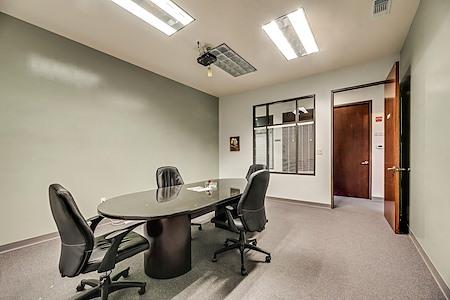 PinnStation Coworking - Meeting Room