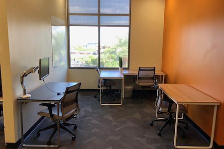 Cross Campus Scottsdale - 4/ 5 Person Suite