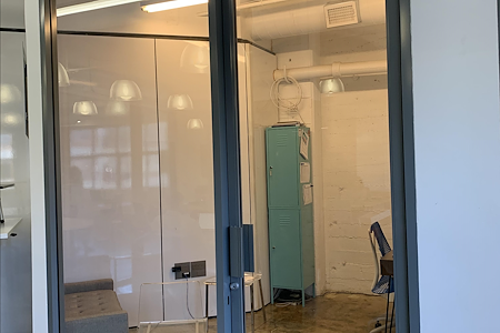 Traction Place LA - Office 2