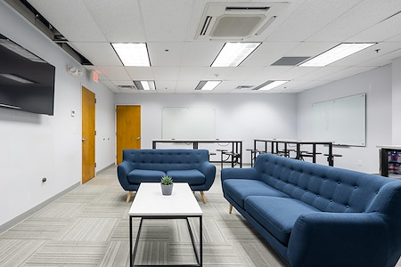 Magnolia Innovation Lab - Innovative Space 4 group brainstorming