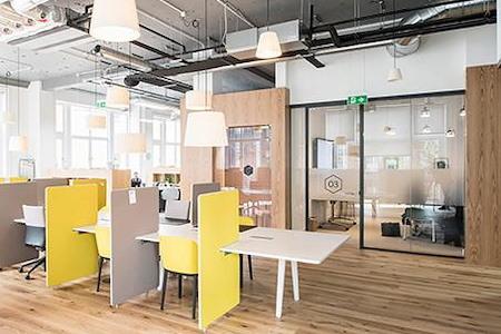 Regus   Spaces @ Oyster Point - Open Desk 1