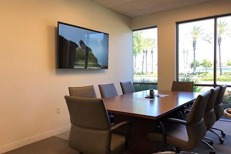 BLANKSPACES | IBASE Irvine - Medium Meeting Room #1201